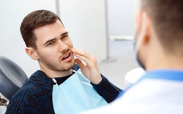 Zahnstein entfernen & Schmerzen - Tut die Behandlung weh?
